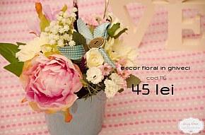 116 decor in ghiveci vintage cu flori pastelate si accesorii