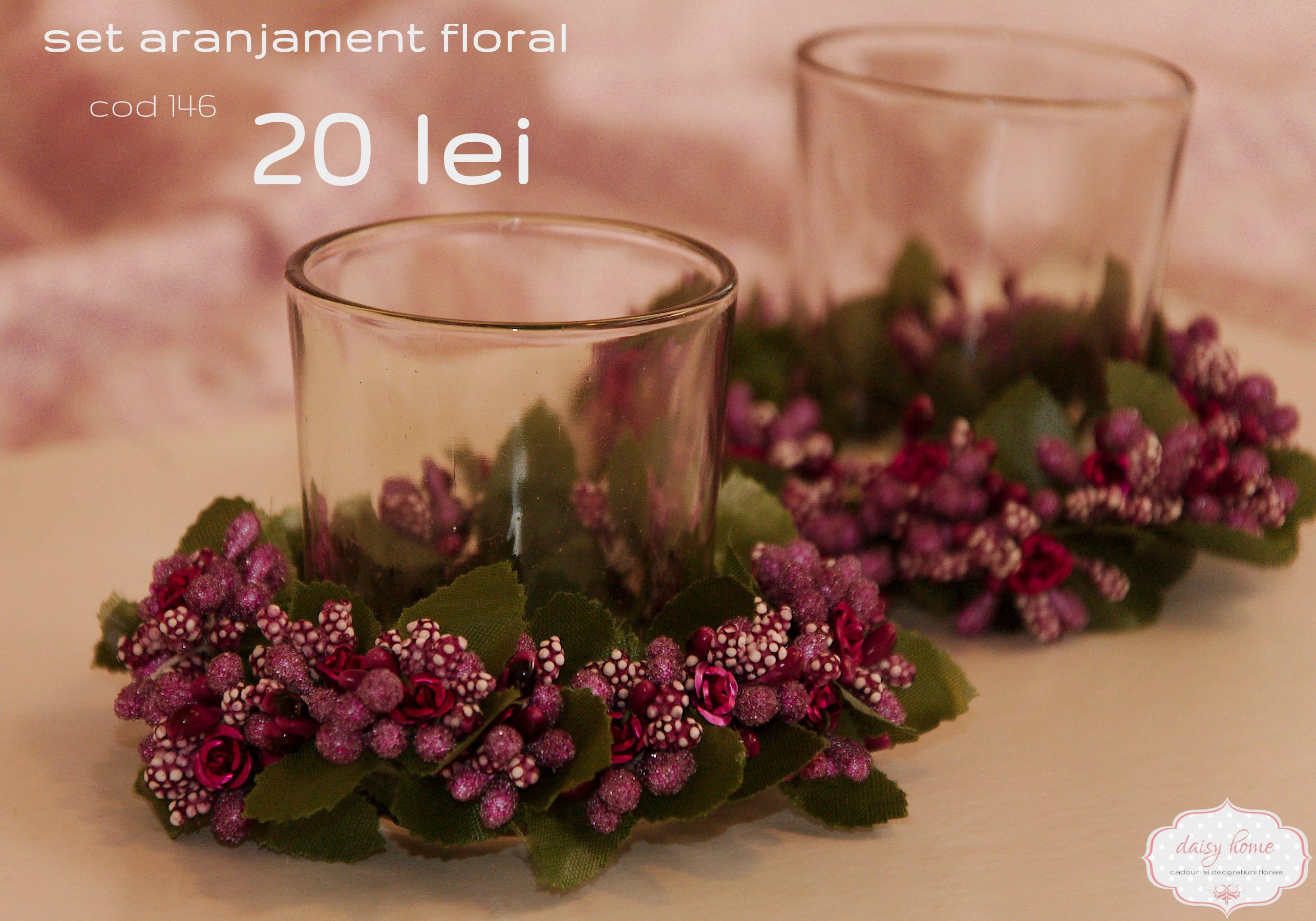 suport din sticla pentru lumanare cu inel din flori