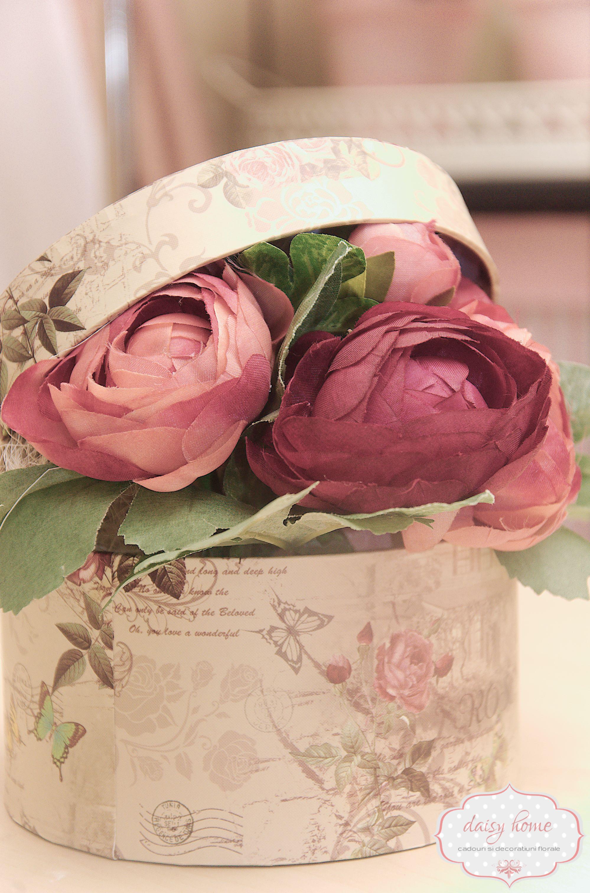 Aranjament Floral In Cutie Daisyhomero