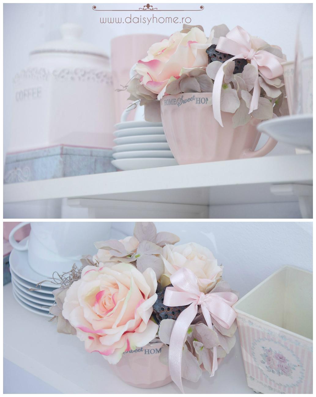 ceasca cu flori artificiale